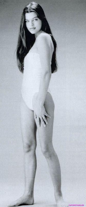 Milla Jovovich / Милла Йовович домашнее фото