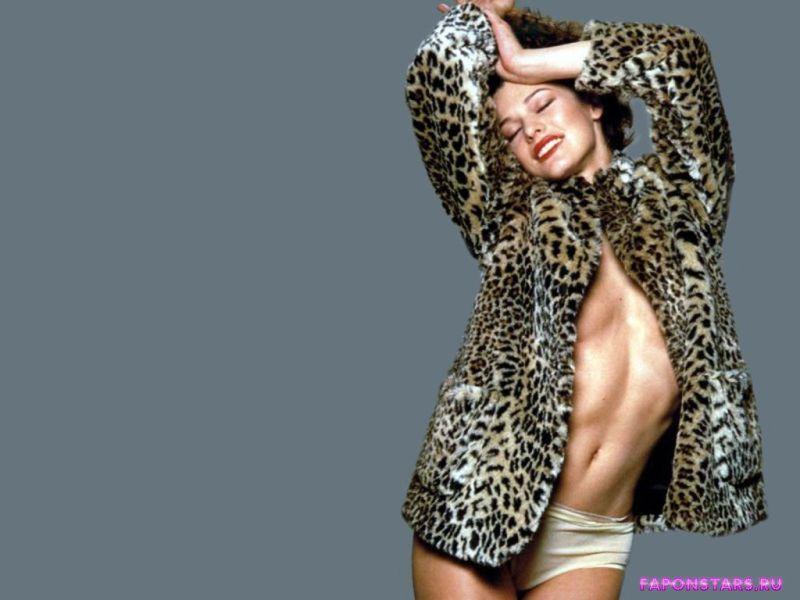 Milla Jovovich / Милла Йовович в дорогом красивом платье