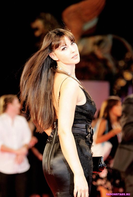 Monica Bellucci / Моника Беллуччи фото полуголая секси