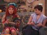 сексуальная Даша Букина с соседкой Леной на диване