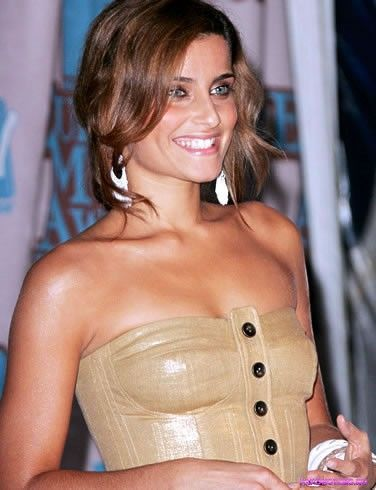 Nelly Furtado / Нелли Фуртадо фото полуголая секси
