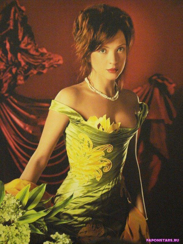 Ольга в зеленом платье