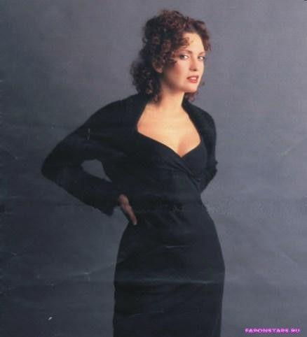 Ольга Дроздова в черном платье