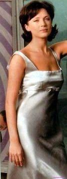 Ольга Дроздова в серебристом облегающем вечернем платье сексуальная