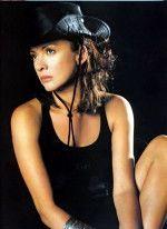 сексуальная Ольга Дроздова в черной шляпке