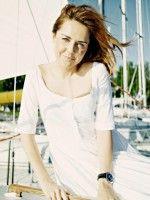 Красавица Ольга Шелест в белом платье
