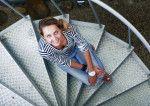 Ольга Шелест на винтовой лестнице