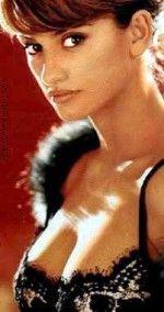 Penelope Cruz / Пенелопа Крус голая обнаженная сексуальная декольте