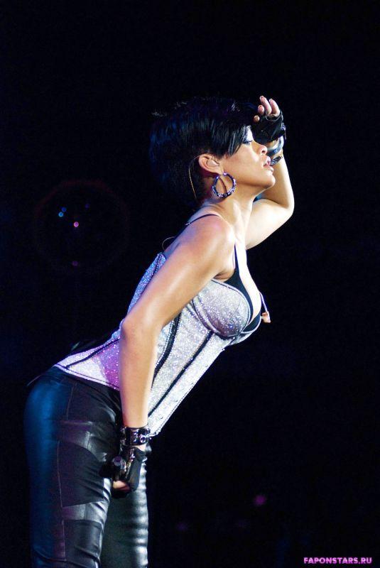 Rihanna / Рианна в нижнем белье