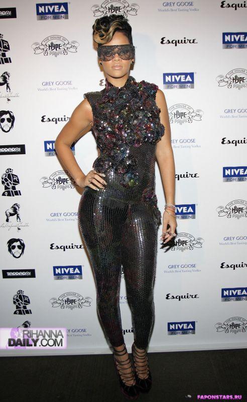 Rihanna / Рианна фото в стиле ню