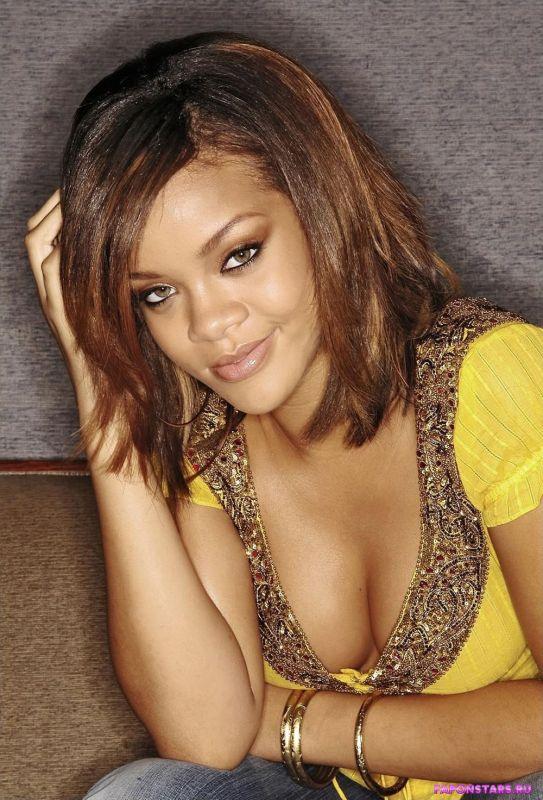 Rihanna / Рианна обнаженная фото