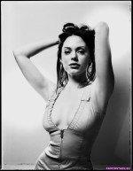 Rose McGowan / Роуз Макгоуэн голая фото