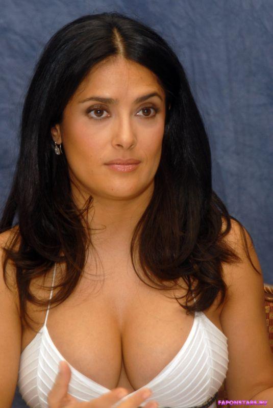 Salma Hayek / Сальма Хайек в нижнем белье