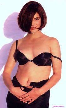 Сандра Буллок голая в черном нижнем белье