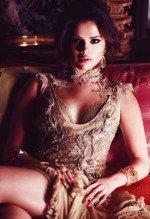 Сексуальная Селена Гомес в отровенной фотосессии
