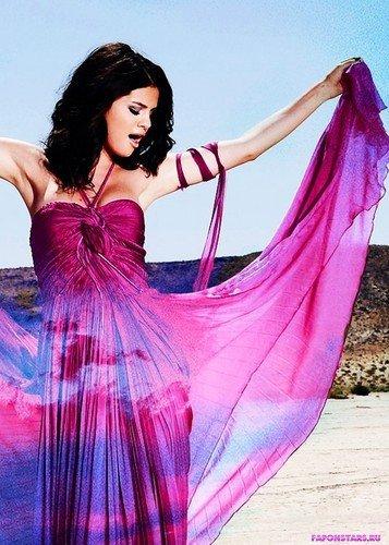 Селена Гомес в шикарном платье