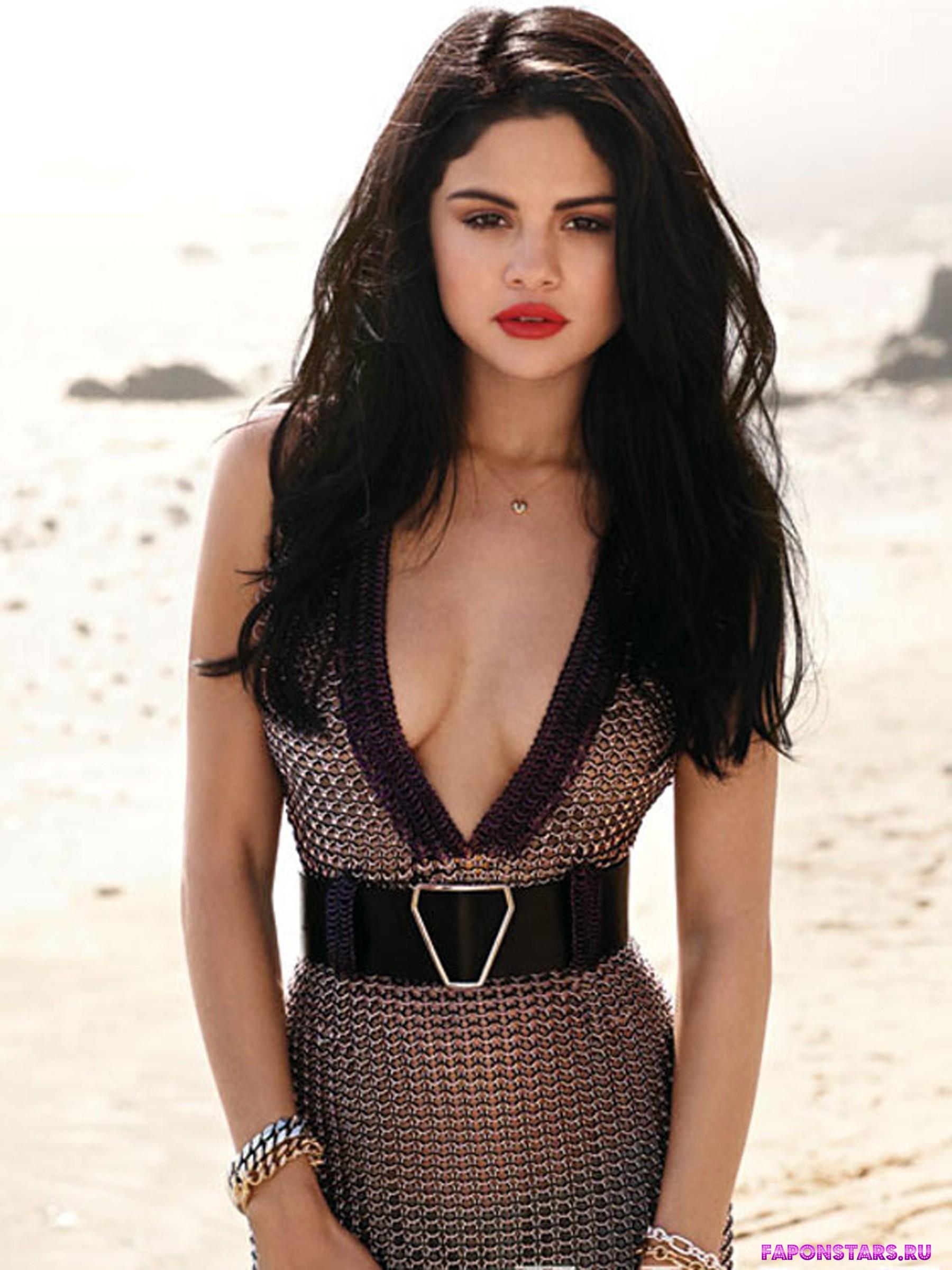 Selena Gomez / Селена Гомес в нижнем белье