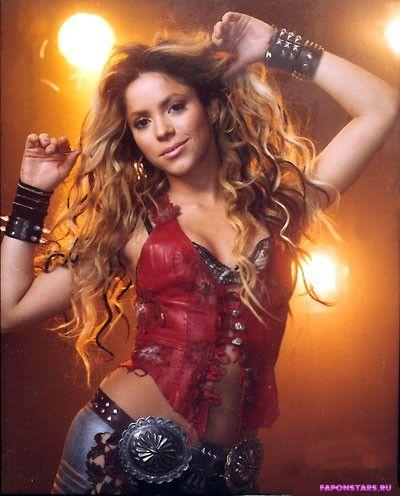 Shakira / Шакира фото в стиле ню