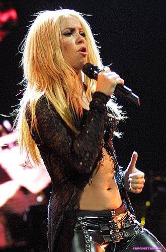 Shakira / Шакира на отдыхе в купальние