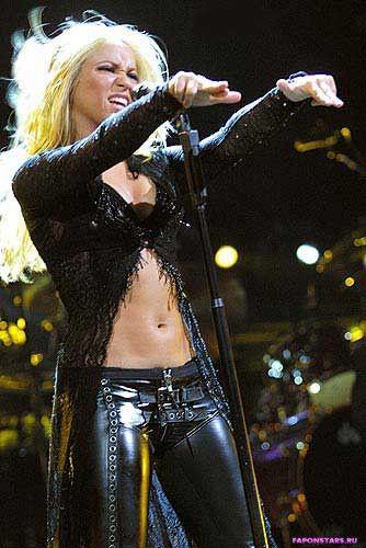 Shakira / Шакира фотосессия в эротическом журнале