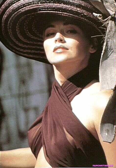 Sharon Stone / Шэрон Стоун фото из журнала maxim