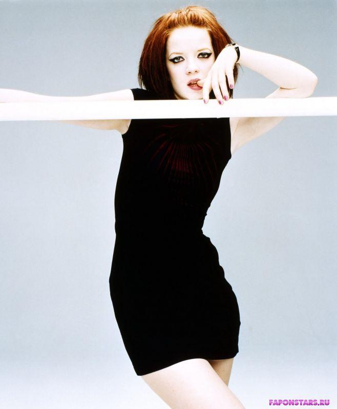 Shirley Manson / Ширли Мэнсон в откровенном наряде