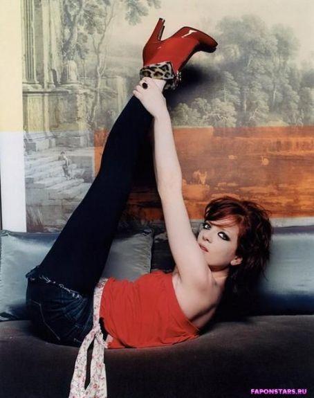 Shirley Manson / Ширли Мэнсон на отдыхе в купальние