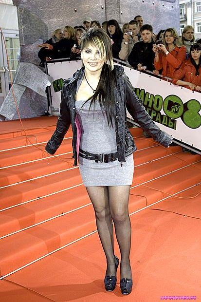 Светлана Назаренко на красной дорожке в сексуальном наряде