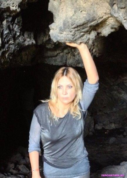 Светлана Назаренко в пещере