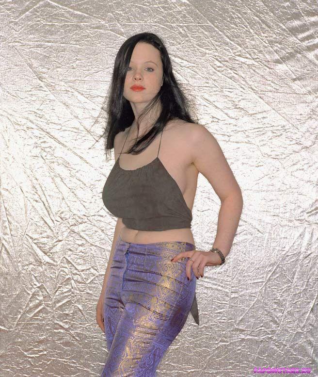 Thora Birch / Тора Берч в нижнем белье