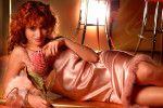сексуальная голая Тина Канделаки в ночнушке