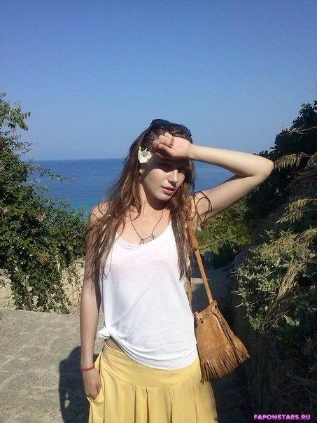 Валерия Федорович на отдыхе в купальние