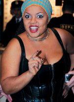 Виктория Пьер-Мари голая обнаженная сексуальная декольте