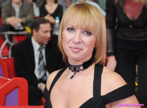 Сексуальный черный наряд Яны Чуриковой