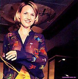 Юлия Бордовских в цветном платье